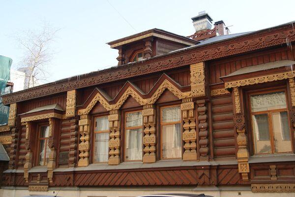 Деревянный дом в Староконюшенном переулке