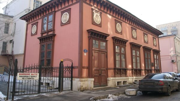 Калошин переулок вьется между Арбатом и Сивцевом Вражком