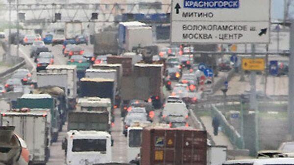 Автомобильные пробки на МКАД.