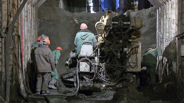 Строители буром соединили шахты нового тоннеля под московским метро