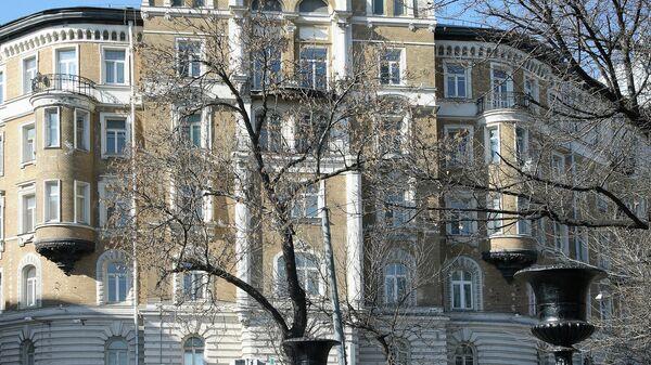 Дом страхового общества Россия на Сретенском бульваре в Москве