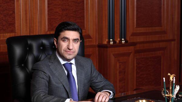 Председатель совета директоров ОАО Киевская площадь Год Нисанов