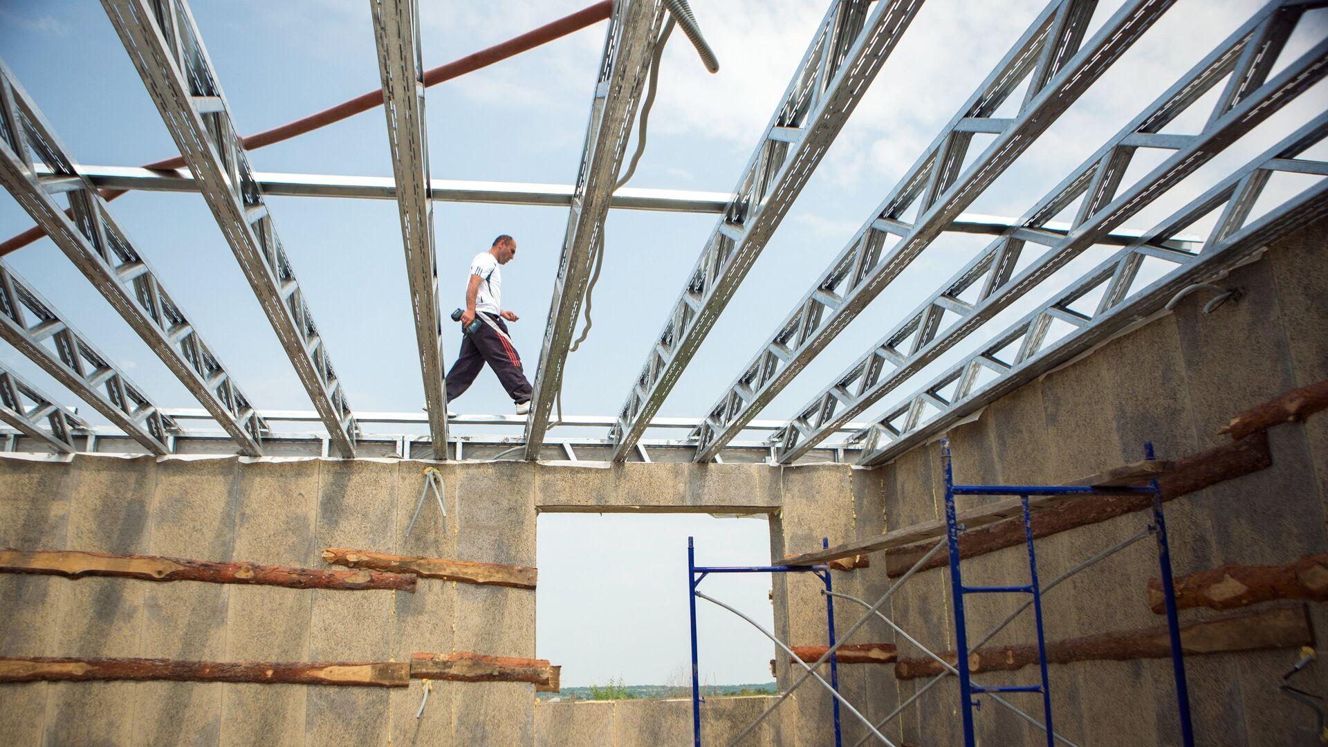 Cтроительство домов для пострадавших от паводка в Амурской области - РИА Новости, 1920, 08.06.2020