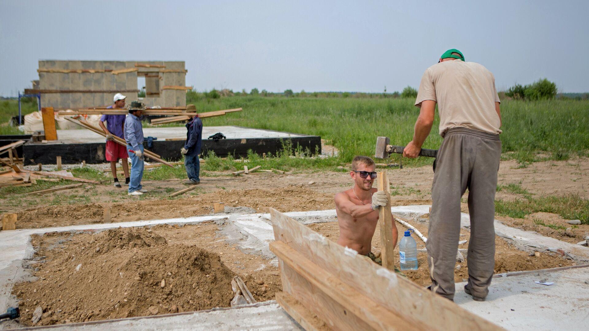 Cтроительство домов в сельской местности - РИА Новости, 1920, 15.07.2020