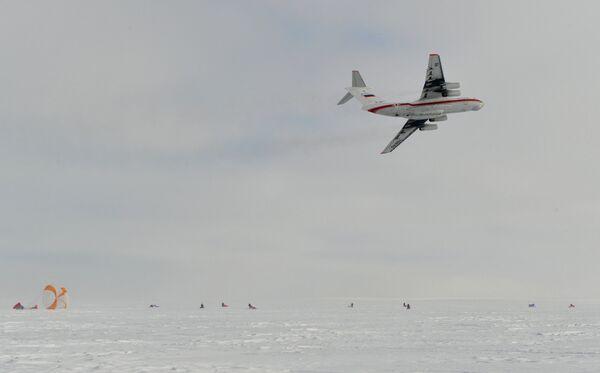 Совместные учения пограничной службы ФСБ и МЧС РФ в суровых арктических условиях на архипелаге Земля Франца-Иосифа