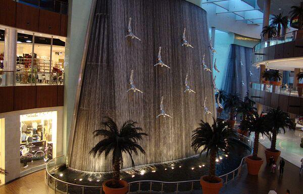 Фонтан в Дубаи молл