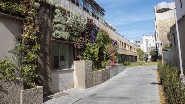 Школа в Париже