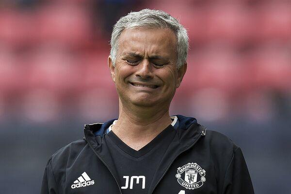 Главный тренер Манчестер Юнайтед Жозе Моуринью