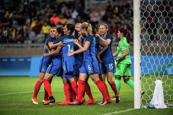 Футболистки олимпийской сборной Франции