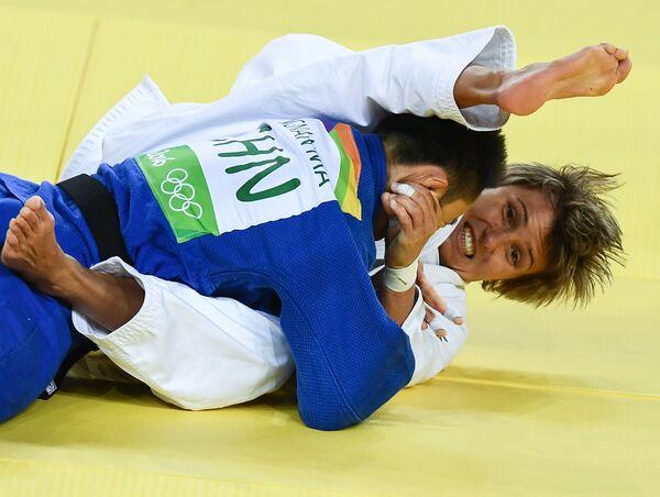 Наталья Кузютина (справа) и Ма Иннань