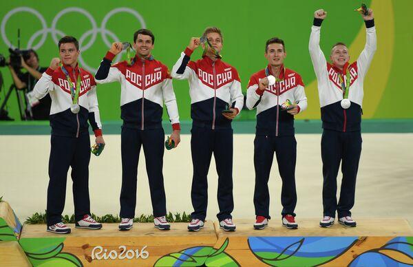 Никита Нагорный, Николай Куксенков, Иван Стретович, Давид Белявский и Денис Аблязин (слева направо)