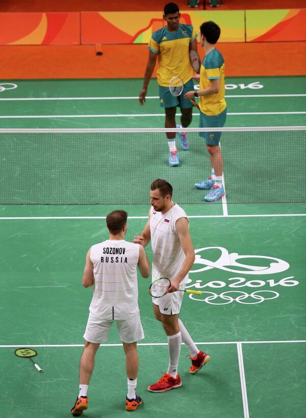 Иван Созонов и Владимир Иванов (слева направо) в матче против австралийской пары Мэтью Чау и Саванг Сирасинг