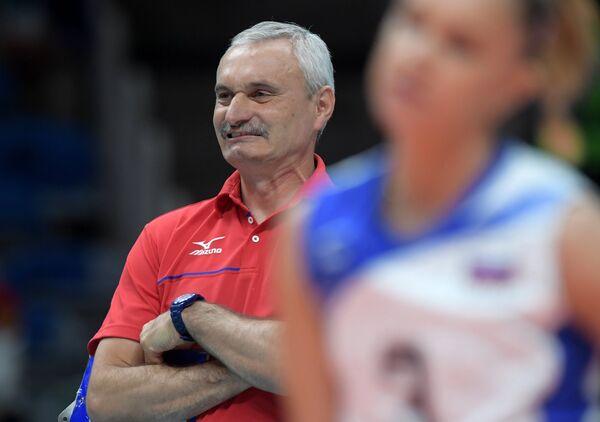 тренер по волейболу романенко фото слой пришивают поясок