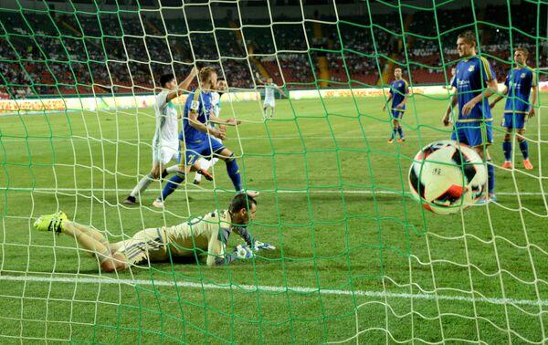 Игровой момент матча 5-го тура чемпионата России по футболу Терек - Ростов