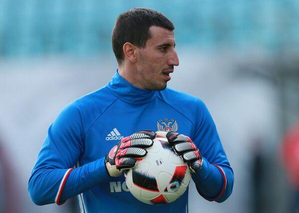 Вратарь сборной России по футболу Сослан Джанаев