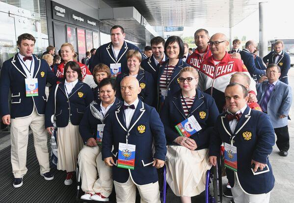 Члены паралимпийской сборной России по пауэрлифтингу