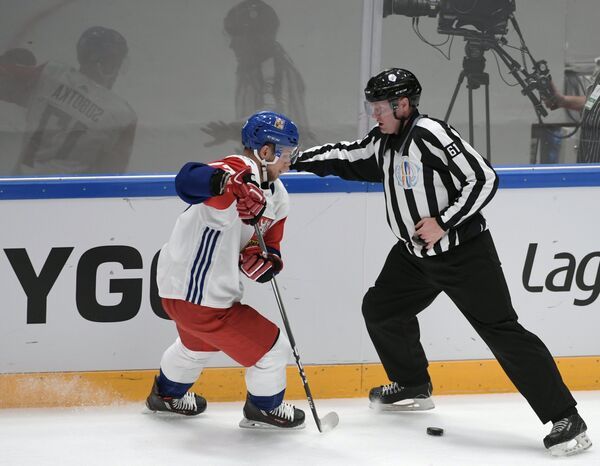 Владимир Соботка (слева)