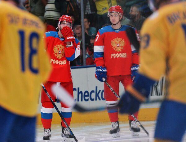 Нападающие сборной России Никита Кучеров (слева) и Вадим Шипачёв