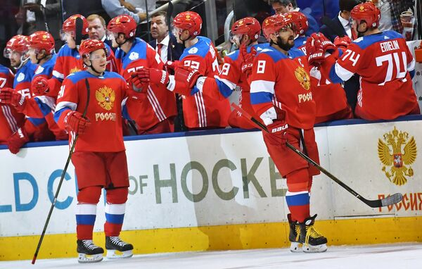 Хоккеисты сборной России Владимир Тарасенко и Александр Овечкин (слева направо)
