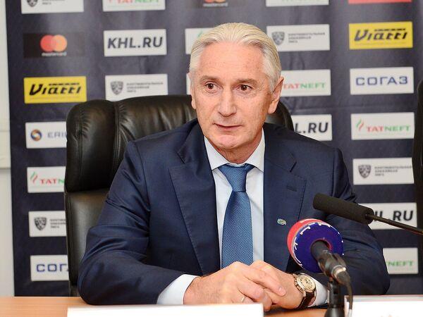 Главный тренер Ак Барса Зинэтула Билялетдинов