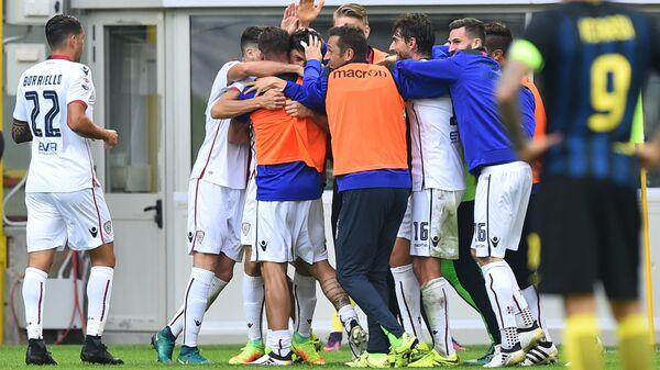 Футболисты итальянского Кальяри
