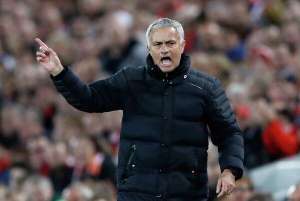 Главный тренер футбольного клуба Манчестер Юнайтед Жозе Моуринью