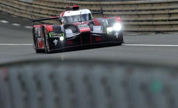 Автомобиль команды Audi, выступающий в 24 часах Ле-Мана