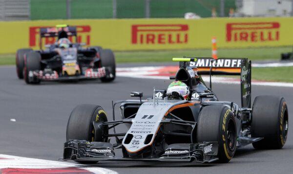 Пилот Форс Индии Серхио Перес на дистанции Гран-при Мексики