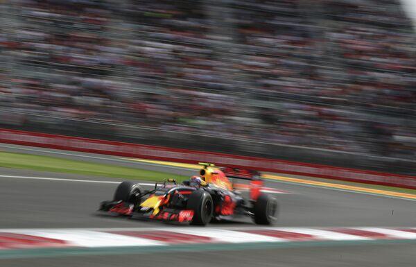 Пилот Ред Булл Макс Ферстаппен на дистанции Гран-при Мексики