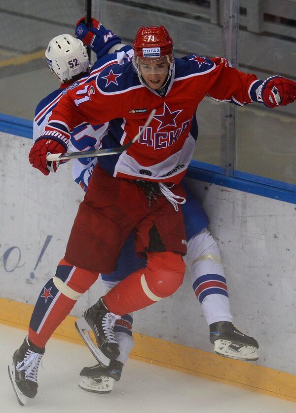 Геннадий Столяров (на первом плане)