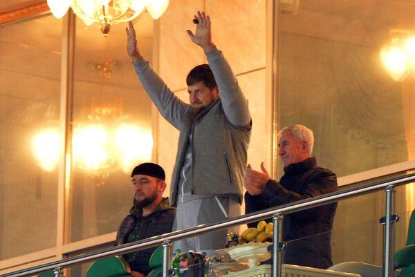Глава Чеченской Республики Рамзан Кадыров (в центре)
