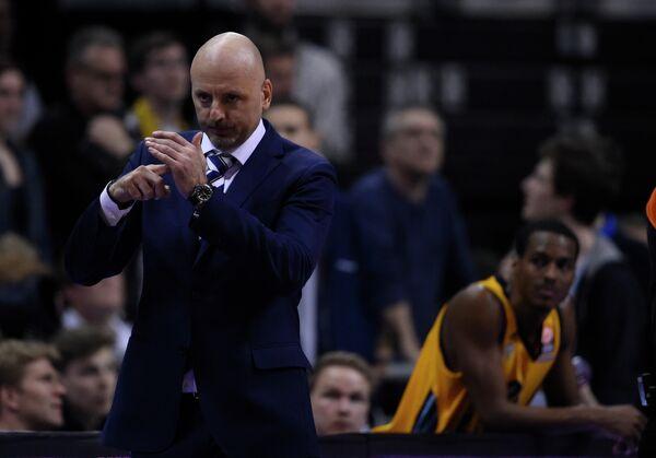Сербский баскетбольный тренер Саша Обрадович
