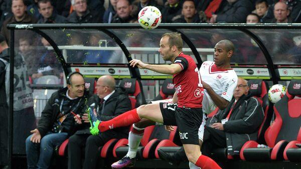 Игровой момент матча чемпионата Франции по футболу Генгам - Бордо