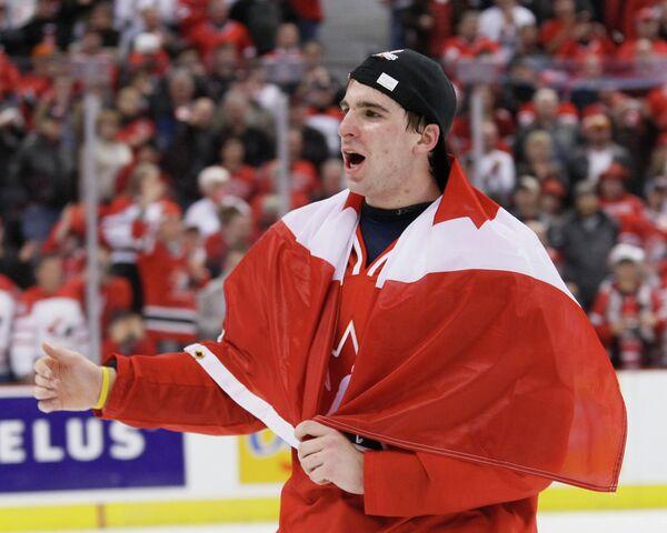 Нападающий сборной Канады Джон Таварес после финального матча МЧМ-2009 против команды Швеции