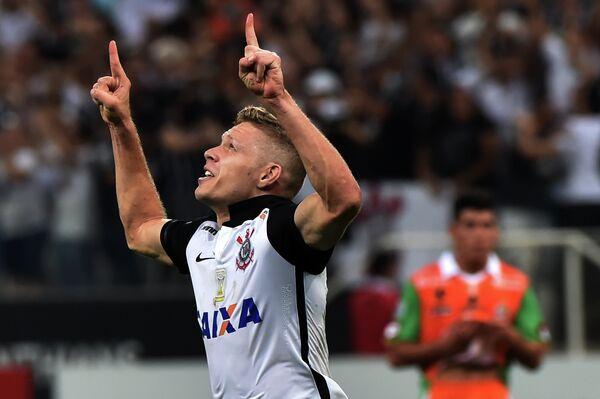 Бразильский полузащитник Коринтианса Марлоне