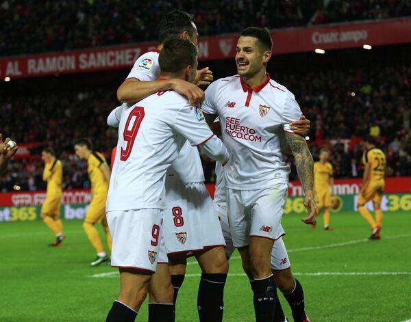 Футболисты испанской Севильи