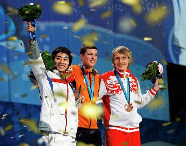 Призеры Олимпийских игр 2010 года Ли Сын Хун, Свен Крамер и Иван Скобрев(слева направо)