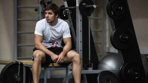 Руслан Мурашов во время тренировки сборной России в Конькобежном центре Коломна