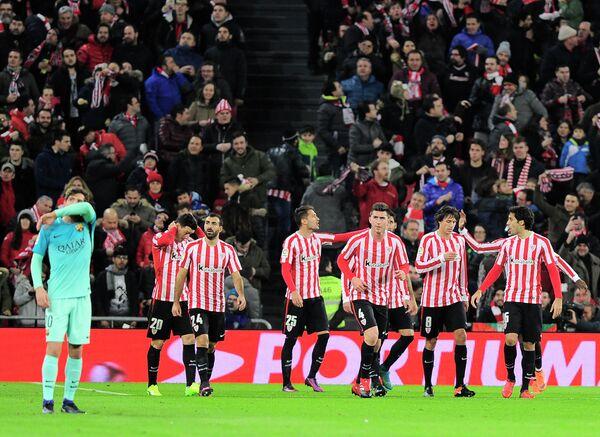 Футболисты Атлетика из Бильбао (справа)