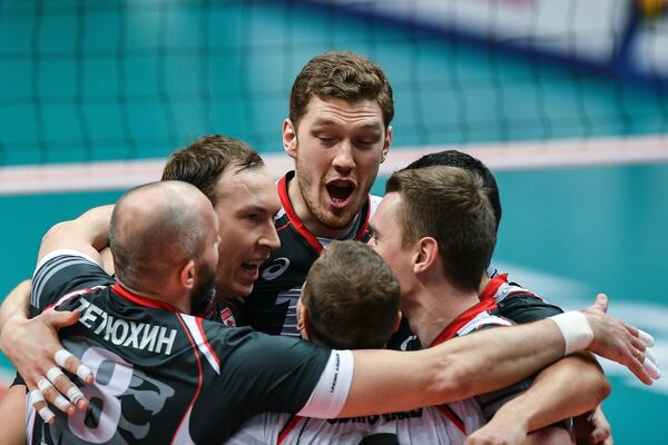 Волейболисты Белогорья радуются набранному очку