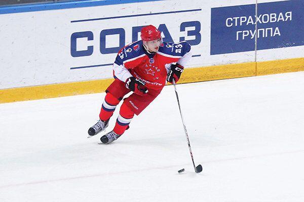 Форвард московской Красной Армии Павел Подлубошнов