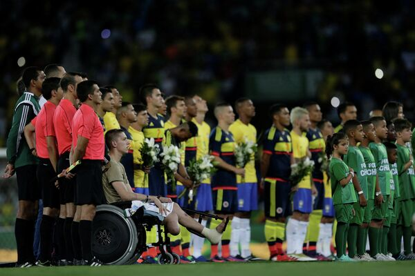 Благотворительный матч по футболу между командами Бразилии и Колумбии