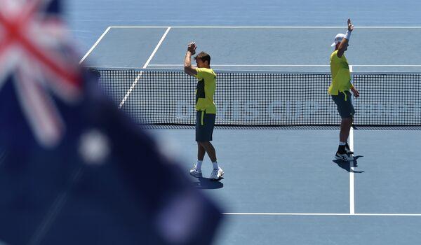 Австралийские теннисисты Сэм Грот (справа) и Джон Пирс