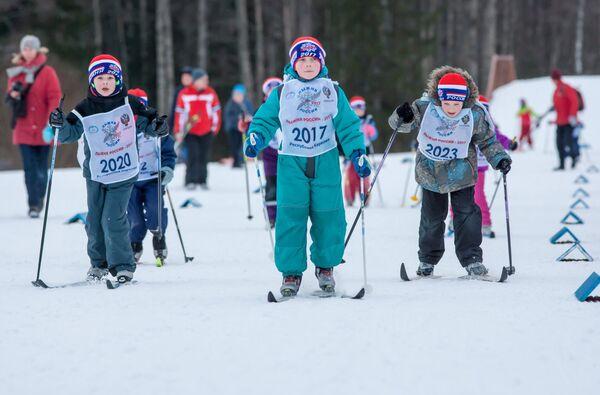 Юные участники всероссийской массовой лыжной гонки Лыжня России - 2017