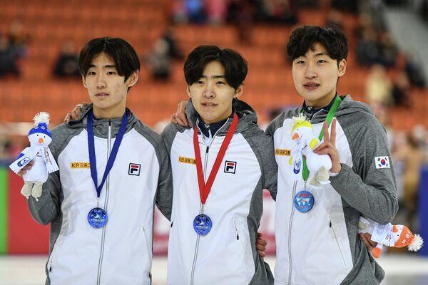 Хё Бен Ли, Кюн Хван Кон и Ён Джин Лим (слева направо)