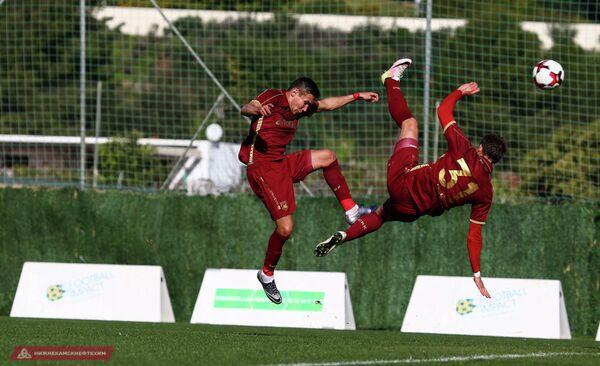 Игровой момент товарищеского матча между ФК Рубин и Хэбэй Чайна Фортун