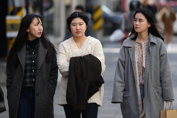 Жительницы Каннына на прогулке