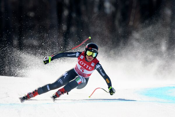 Итальянская горнолыжница София Годжиа