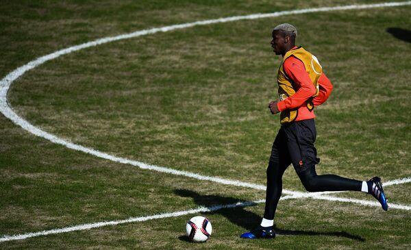 Полузащитник Манчестер Юнайтед Поль Погба