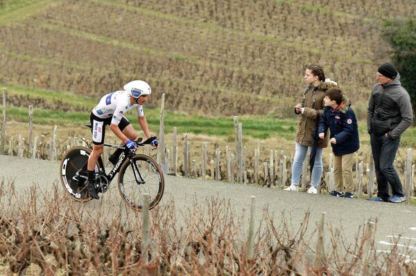 Французский велогонщик команды Quick-Step Floors Жюлиан Алафилипп